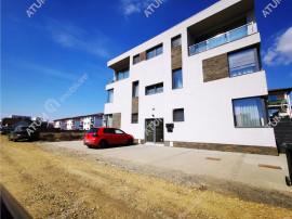 Apartament modern cu 3 camere balcon si loc de parcare la et