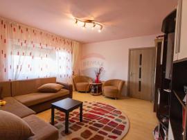 Apartament cu 3 camere de vânzare în zona 6 Vanatori