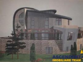 Penthouse,120 mp utili, 50 mp terasa balcoane, in vila cu
