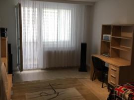 Zona Astra, Ap. 2 camere decomandat, etaj 1