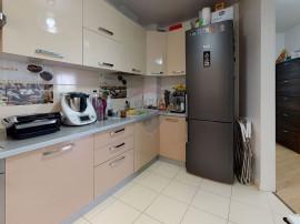 Apartament cu 4 camere de vânzare în zona Doamna Ghica