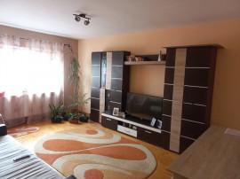 Apartament 3 camere, decomandat, 70mp. zona industriala
