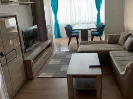De inchiriat: apartament cu 3 camere, situat semicentral!
