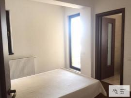 Apartament 3 camere zona Damaroaia