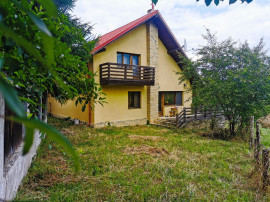 Casa / Vila superba in armonie cu natura Brasov