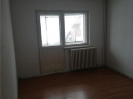 COLOSSEUM: Apartament 4 camere - zona Scriitorilor