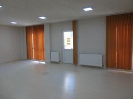 Spațiu birouri sau cabinete, 3 camere, 2băi, parter,Podgoria