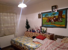 Mioveni, Apartament 3 camere zona Robea.