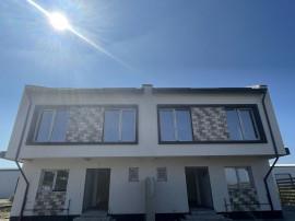 Vila duplex Otopeni Central, utilitati, curte mare, 0% co...
