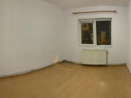 3 camere Astra (Ciucas), decomandat, 2 gr. sanitare, 81.500€