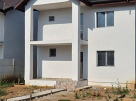 Alege o casa perfecta,cu curte generoasa,teren 420mp, in Var