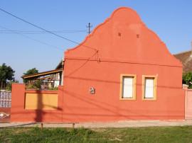 Casa , curte si gradina in comuna Padureni(Jebel) sagului