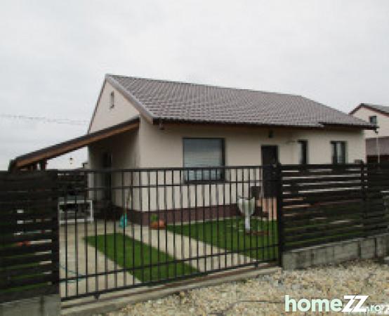 Casa cu 3 camere parter cu pod mare terasa la cheie joita for Case parter 3 camere