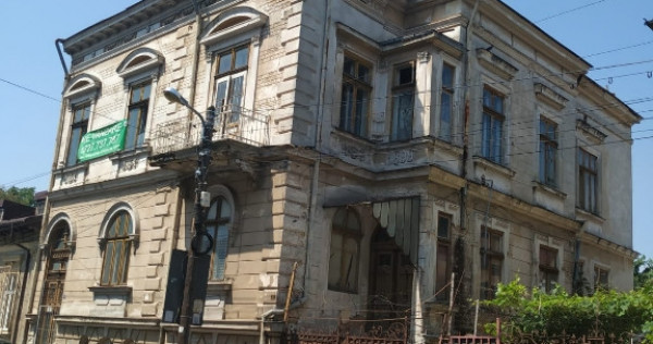 Proprietate,doua imobile si teren 435mp zona Traian