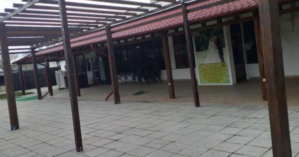 Spatiu comercial central zona piata inchiriez