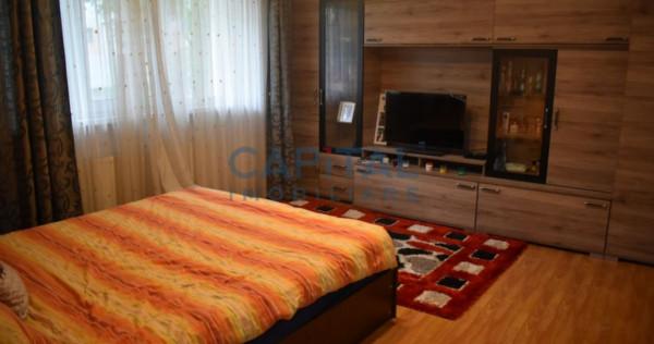 Inchiriere apartament 3 camere decomandat, zona Piata Marast