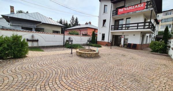 Apartament 90 mp util Campina, ultracentral,parcare proprie!