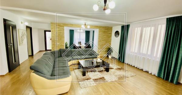 Casa individuala, curte libera de 600 mp situata in Cristian