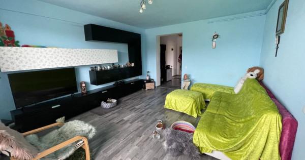 Apartament 2 camere in zona Tractorul