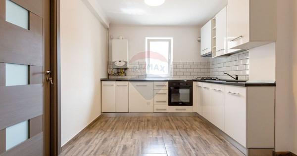 Apartament cu 3 camere - zona Banca Nationala