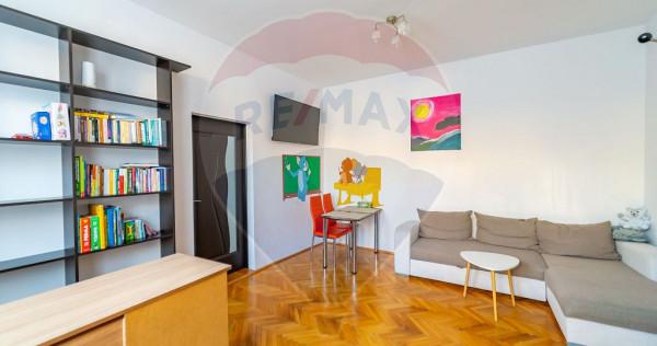 Apartament cu 2 camere de închiriat în zona Central