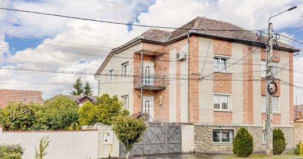 Casă / Vilă cu 6 camere de vânzare în zona Aradul Nou