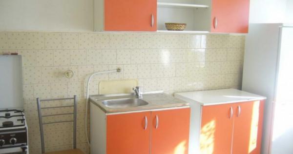 Apartament 2 camere 50 mp,etaj 2 din 3 central strazii Paris