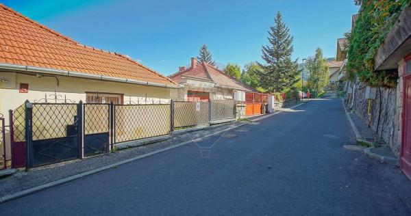 Corp de casă cu 2 apartamente și curte individuală, st...