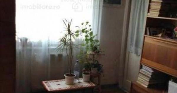 Apartament 3 camere decomandat etajul 2 Judetean ,106A0