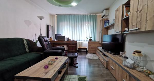 Apartament 3 camere zona Banu Maracine