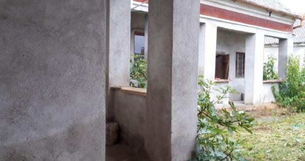 Casa caramida interior renovat Chesint, Arad