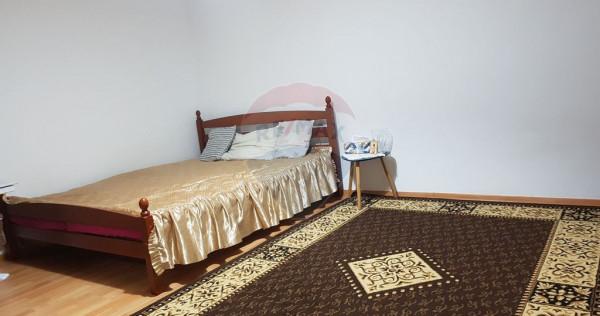 Casa 2 camere de vanzare Gradiste,curte comuna,centrala ,...