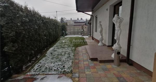 Casa cocheta de 172 mp UTILI