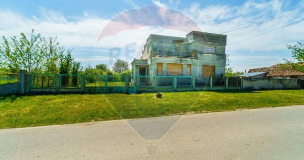 Casă 4 camere de vânzare în Simand, arhitectura deoseb...