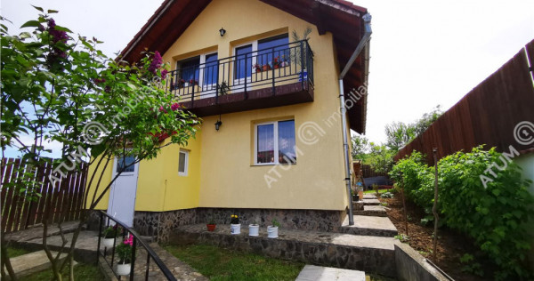 Se vinde casa constructie 2010 cu 3 camere in Saliste jud Si