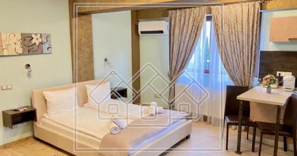 Apartament 3 camere - zona centrala - mobilat si utilat de l