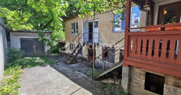 Reșița, casă 6 camere, teren 540 mp, zona Marginea