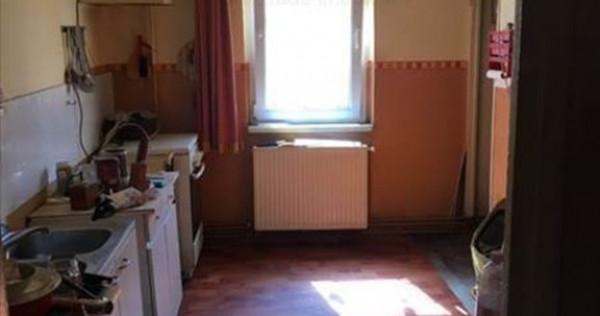 Apartament 3 camere decomandat zona Judetean,10A1O