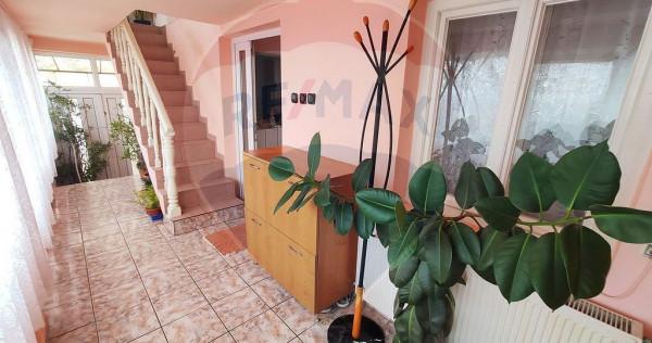 Casă cu 4 camere de vânzare în zona Dealuri Oradea