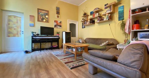 Apartament cu 3 camere in curte comuna - Ultracentral