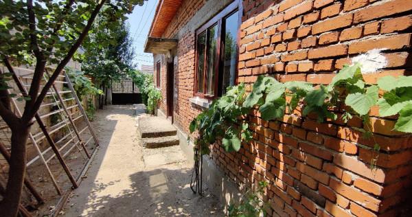 Casa cu 2 camere si hol, teren 210mp - cartier Catargiu