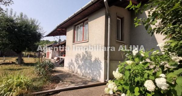 Casa 3 camere si teren 3114 mp in Loc Santuhalm Jud. Hd.