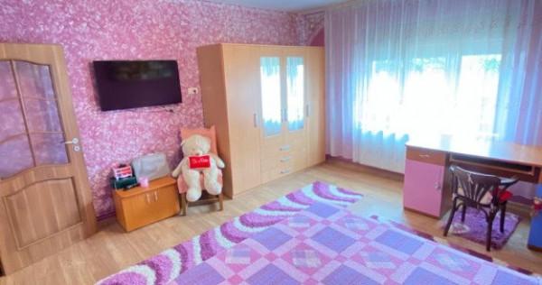 Casa 3 camere zona Aradul Nou