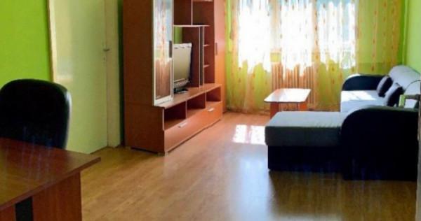 Apartament 3 Camere, Semidecomandat, Zona Medicina