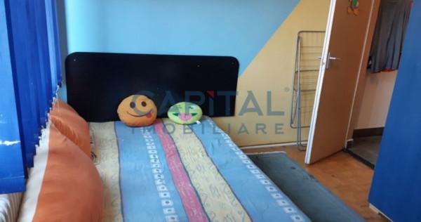 Apartament cu 2 camere decomandat, zona Semicentrala