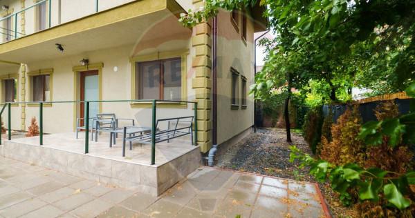 Apartament cu 4 camere de închiriat în zona Central