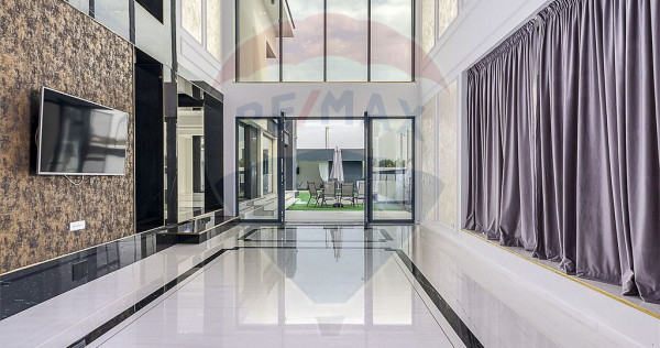 Vila de lux, arhitectura deosebita, piscina exterioara, C...
