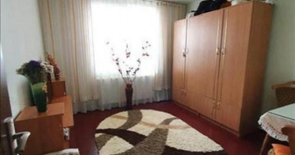 Apartament 3 camere etaj intermediar Noua,105AE