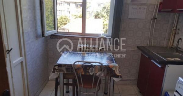 Liceul Traian apartament 3 camere decomandat