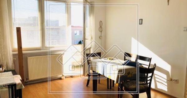 Apartament cu 2 camere - zona Vasile Milea